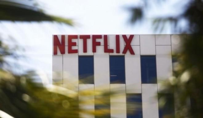 Netflix își obligă actorii să se vaccineze